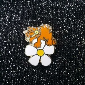 Vintage 80s Garfield on Flower Pin or Brooch
